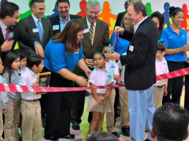 Ribbon cutting ceremony at KIPP Un Mundo Dual Language Academy with San Antonio Hispanic Chamber of Commerce | San Antonio Charter Moms