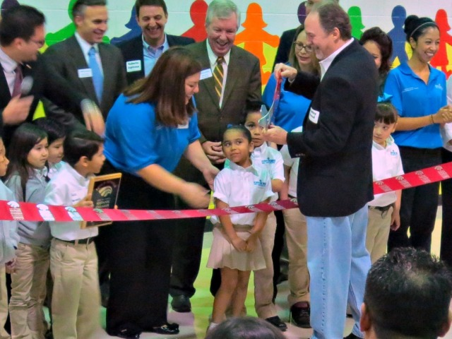 Ribbon cutting ceremony at KIPP Un Mundo Dual Language Academy with San Antonio Hispanic Chamber of Commerce | San Antonio Charter Moms