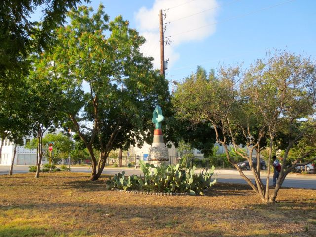 Danville Chadbourne sculpture on Fredericksburg Road | San Antonio Charter Moms