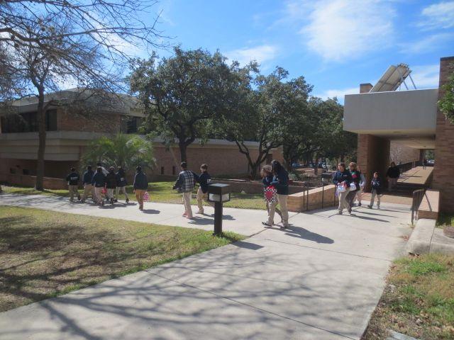 InspireU: KIPP Camino students at UTHSCSA   San Antonio Charter Moms