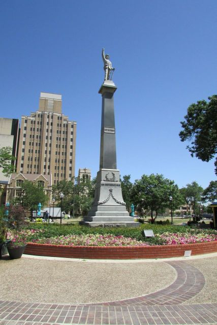 Confederate memorial at Travis Park | San Antonio Charter Moms