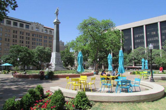 New seating at Travis Park, downtown San Antonio | San Antonio Charter Moms