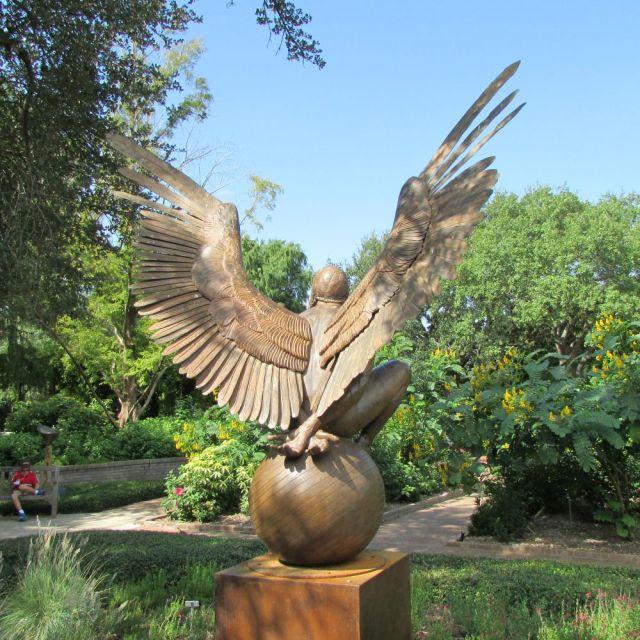 Bernardo Oriental Monumental by Jorge Marín at the San Antonio Botanical Garden | San Antonio Charter Moms