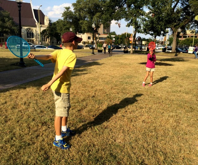 Playing badminton at Travis Park in downtown San Antonio, Texas | San Antonio Charter Moms